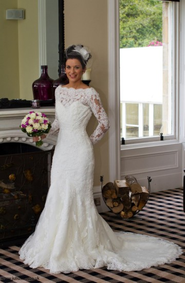 Dundee Wedding Photography Bride at Kinnettles Castle near Forfar with model Elaine Harris