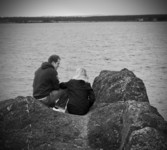 Jodie and David on the rocks near Broughty Castle